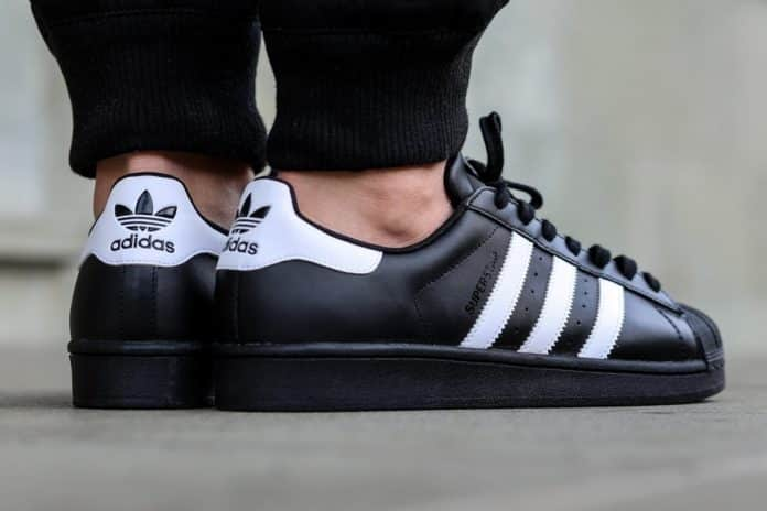 Adidas Superstar Black Fake